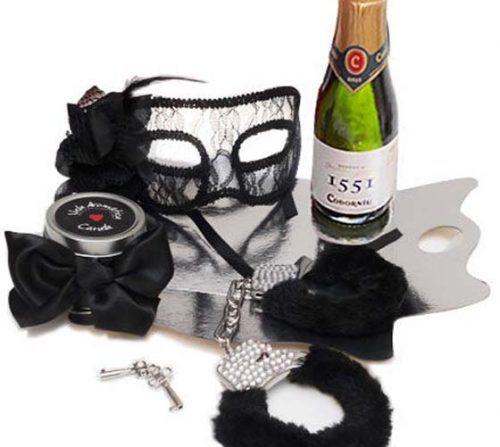 Kit erótico negro con máscara Veneciana