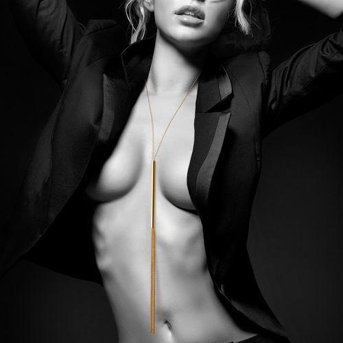 Látigo collar de cadenas metálicas dorado 2