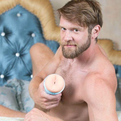 Masturbador Colby Keller Lumberjack ano 2