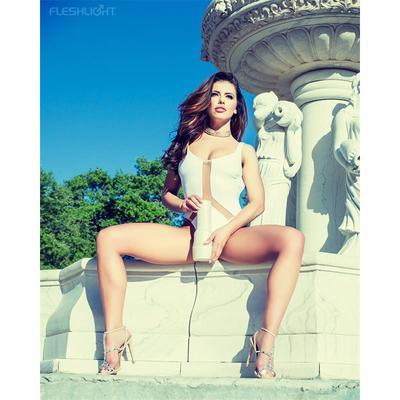 Masturbador Adriana Chechichik Empress 4